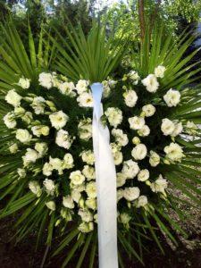 wieniec białe kwiaty serce